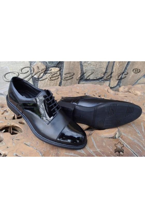 Men's elegant shoes Fenomen 3002 black lether