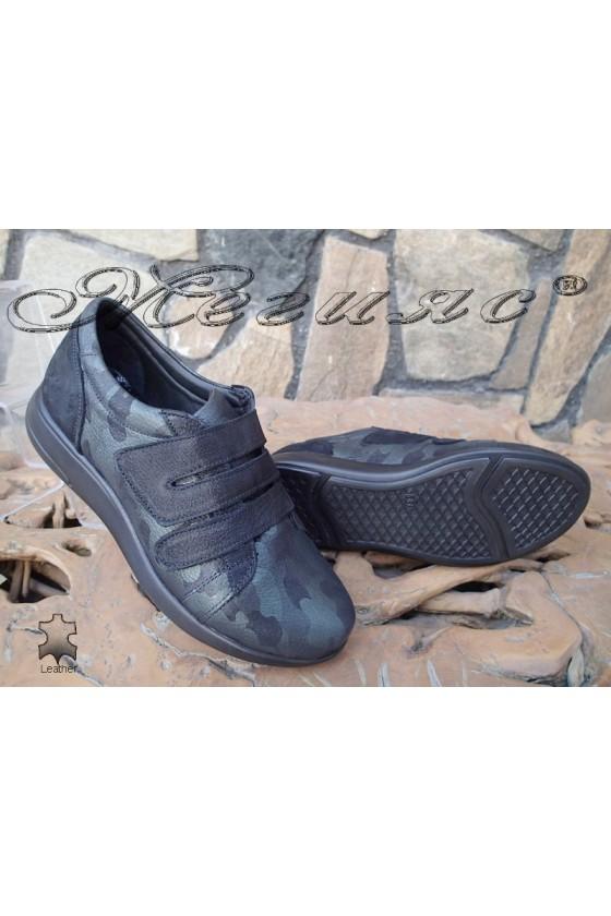 Дамски обувки 500/2520 черно със зелено от естествена кожа