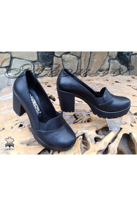 Дамски обувки 82-02 черни от естествена кожа с широк ток