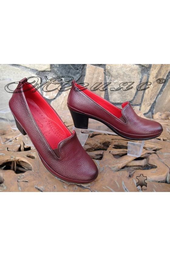 Дамски ортопедични обувки бордо от естествена кожа с широк ток 11-К