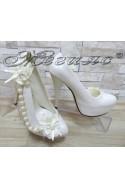 Дамски обувки А-302 бели с перли елегантни на висок ток