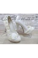Дамски обувки А-303 бели с перли елегантни на висок ток