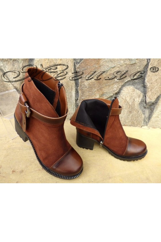 Women  boots 435 brown suede