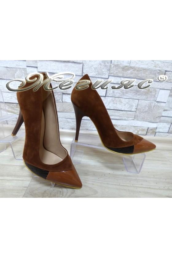 Дамски обувки 360 таба от набук и лак с висок ток