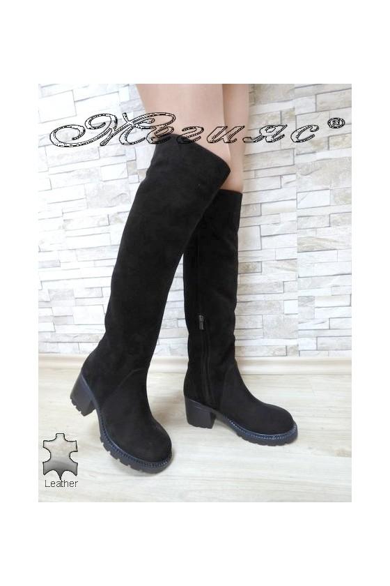 Дамски ботуши 4350-21 черни от естествен велур с широк ток