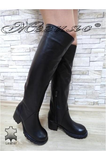 Дамски ботуши 4350-21 мат черни от естествена кожа с широк ток