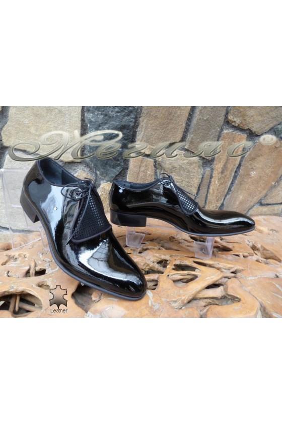 Мъжки обувки DAF 9203 черни елегантни от естествена кожа