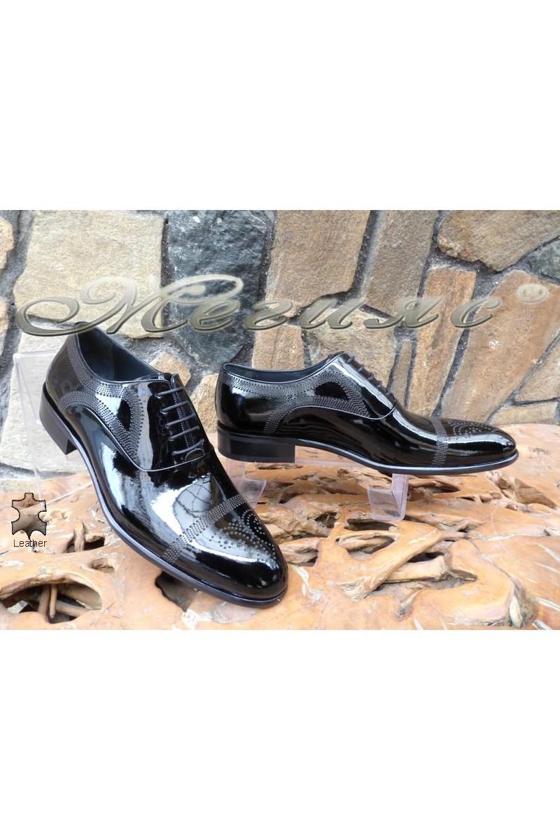 Мъжки обувки DAF 4403 черни елегантни от естествена кожа