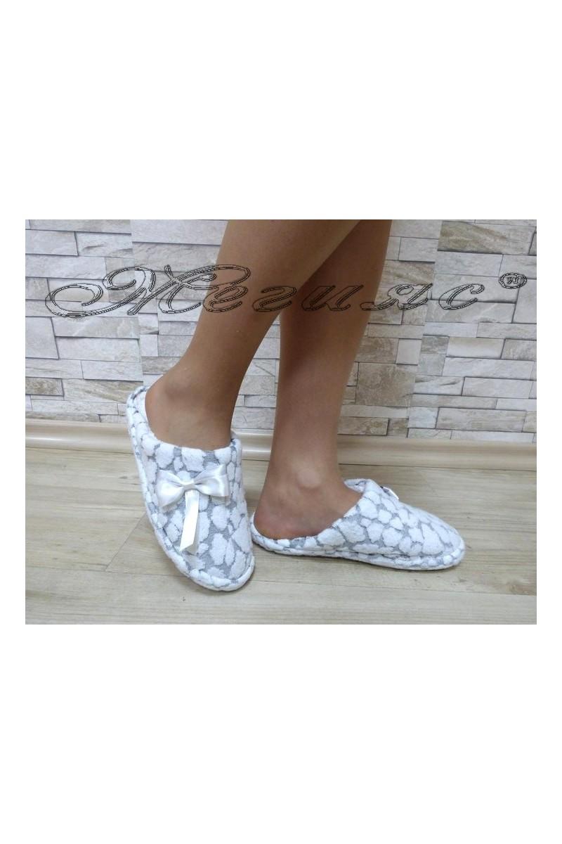 Дамски пантофи 82 бяло със сиво от текстил