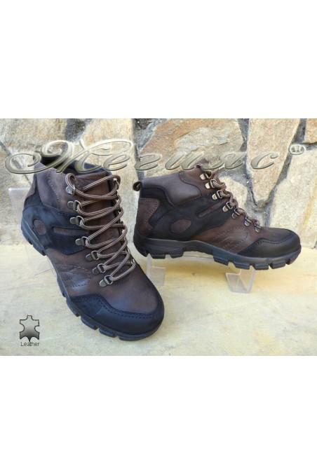 Мъжки боти 823744 черно с кафяво от естествена кожа