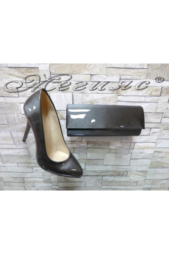 Комплект дамски обувки 162 сиво перла с чанта 373