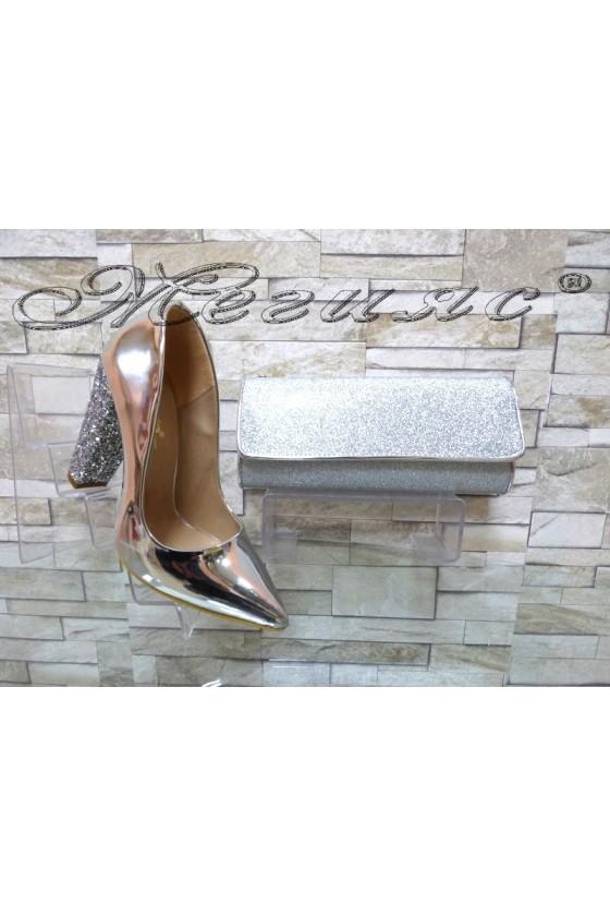 Комплект дамски обувки 00542 сребрист лак с брокат с чанта 372
