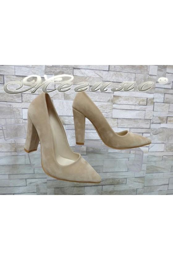 Дамски обувки 702 бежови от еко велур остри елегантни с широк ток