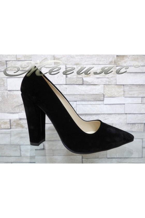 Дамски обувки 702 черни от еко велур остри елегантни с широк ток