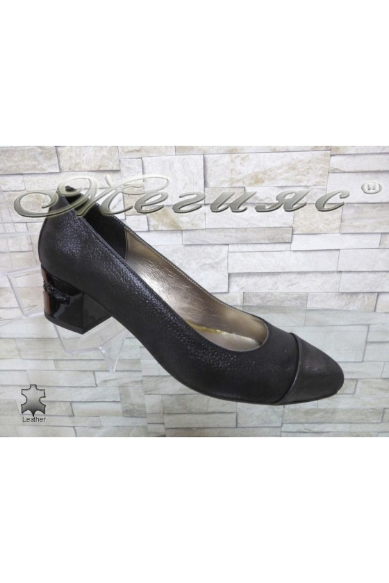 Women elehant shoes 334 black leather with middle heel