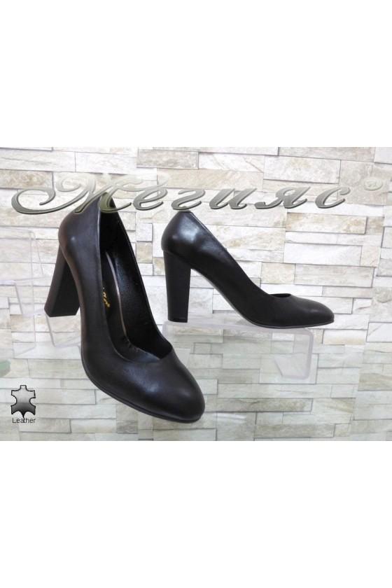 Women elegant shoes 185-1 black leather