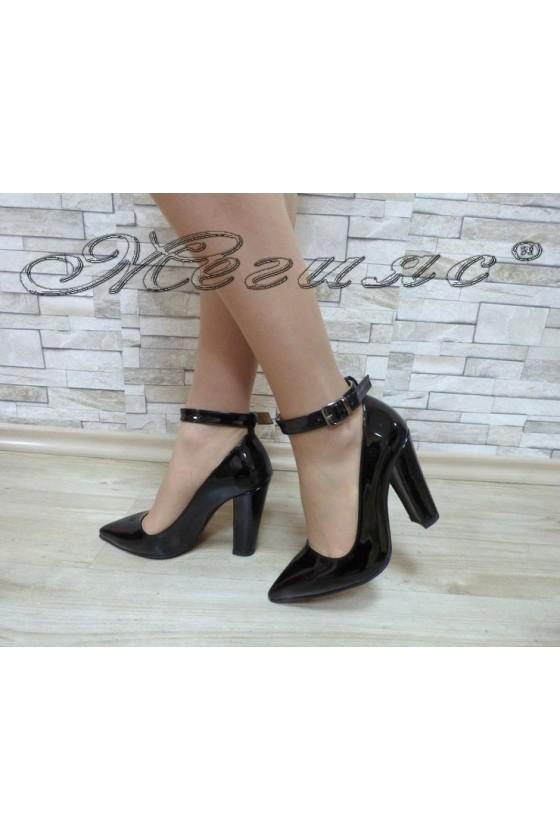 Дамски обувки 710 черен лак елегантни на висок ток