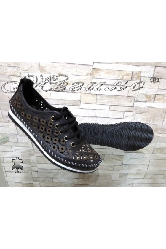 Ladies shoes 66 black leather