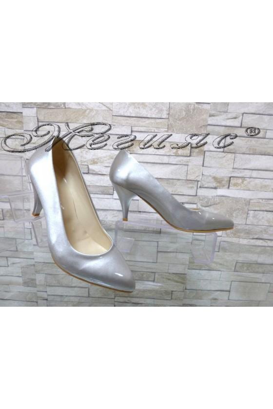Дамски обувки 117 светло сиви перла елегантни остри нисък ток