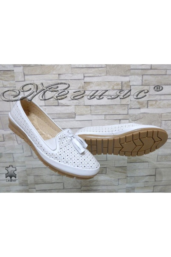 Lady shoes 450 white leather