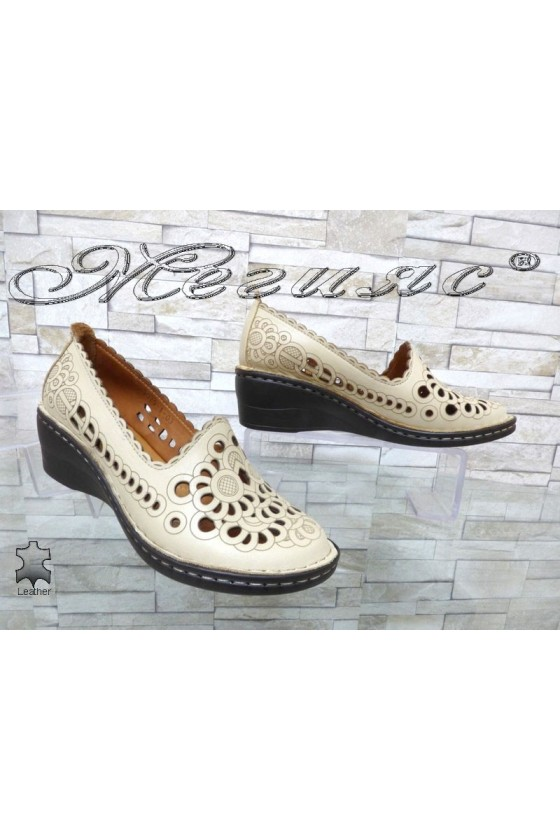 Women shoes 5029-1 beige leather