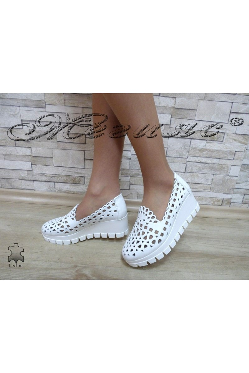 Lady platform shoes 404/02/44 white leather
