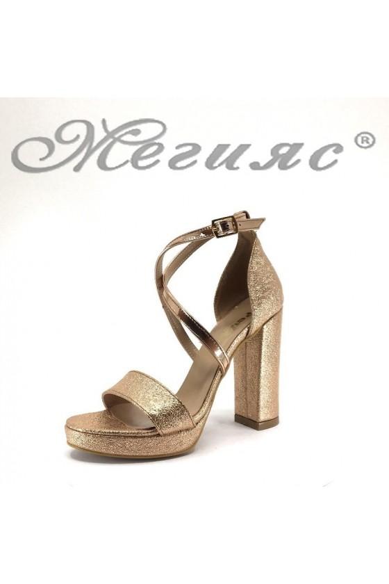 Дамски сандали 393 цвят бакър намачкана еко кожа елегантни с широкк ток