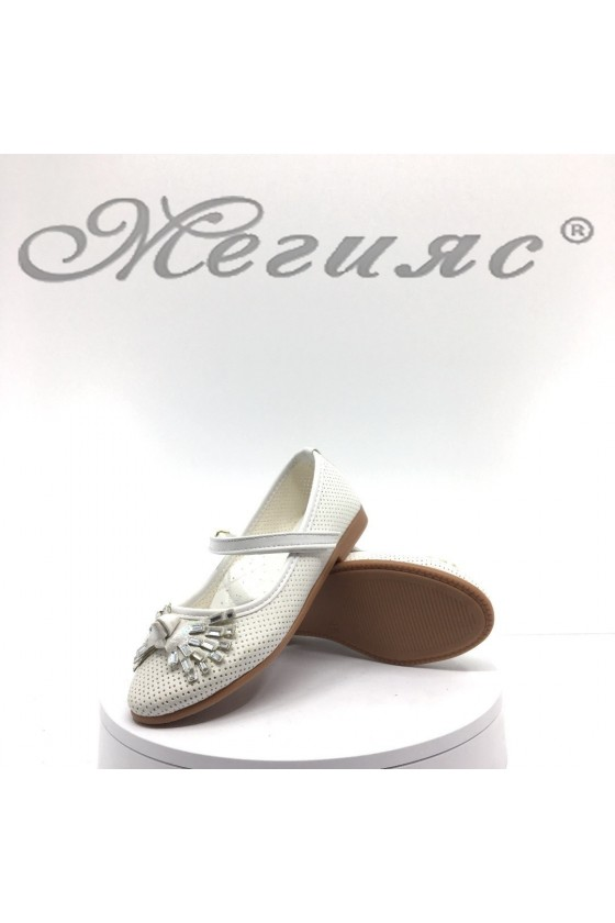 Детски обувки  бели от еко кожа