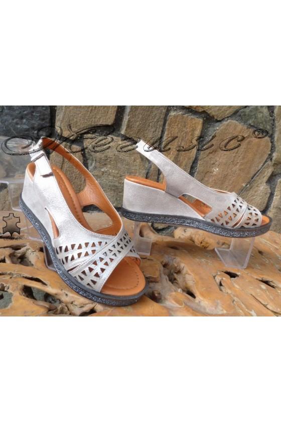 Дамски сандали 132-10 цвят графит от естествена кожа на средна платформа