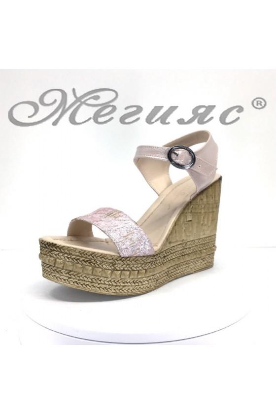 Дамски сандали 100-5426 пудра на висока платформа от еко кожа