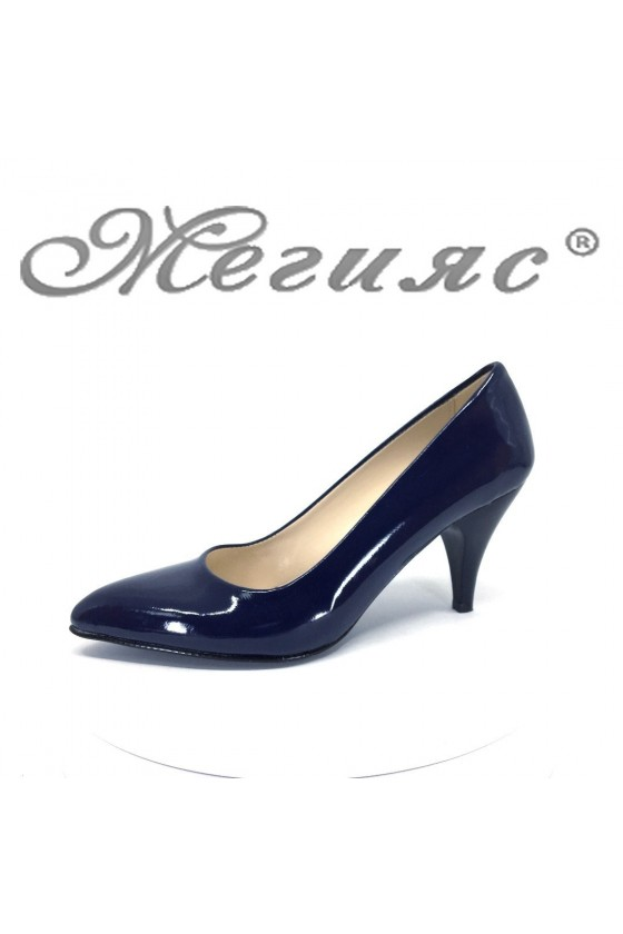 Дамски обувки XXL син лак елегантни остри нисък ток