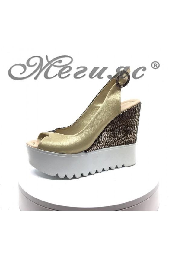 Women platform sandals...