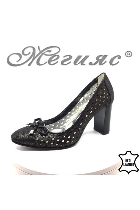 Дамски обувки 235-114 черни на широк ток от естествена кожа