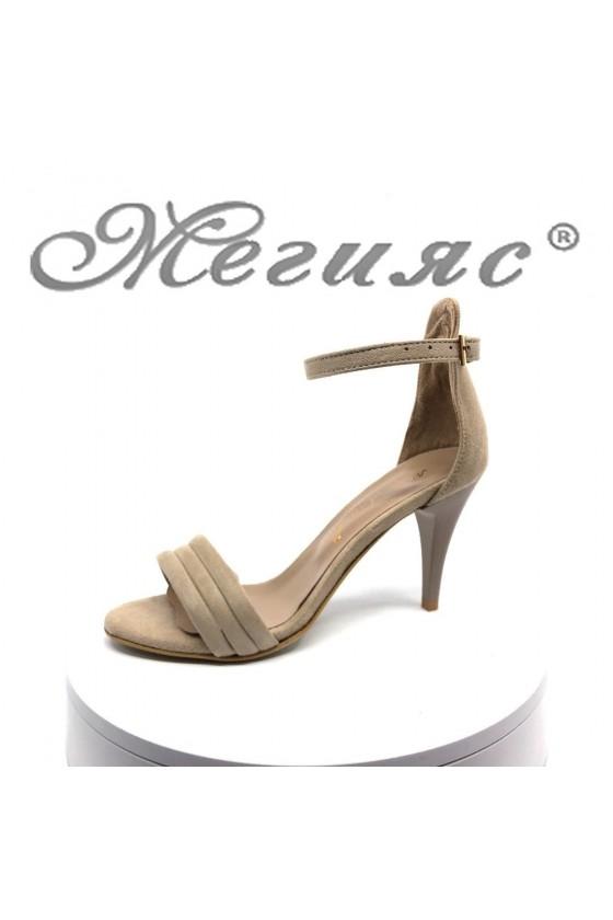 Дамски сандали 392 бежови велур елегантни на среден ток