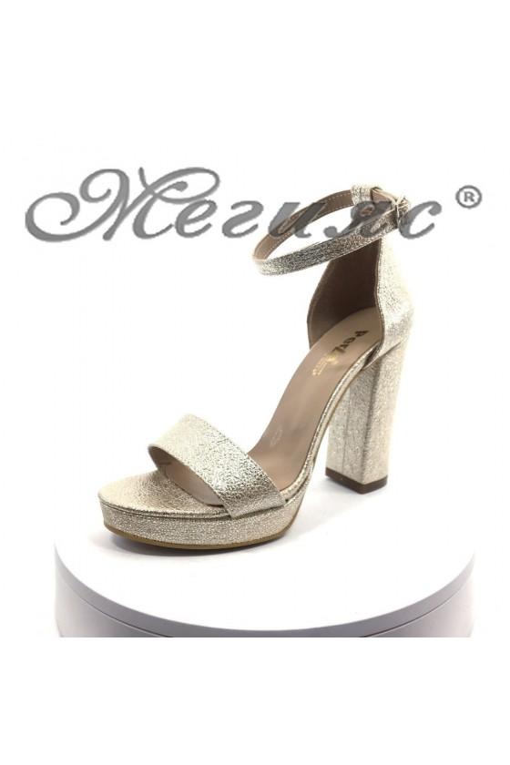 Дамски елегантни сандали 398 златисти на висок ток