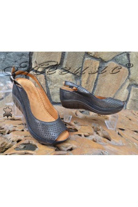 Дамски сандали 13-L черни от естествена кожа