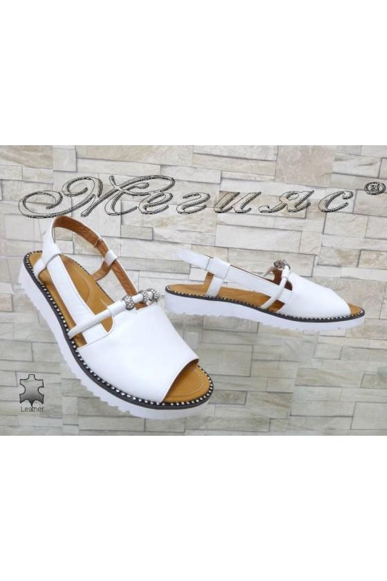Дамски сандали XXL 177 бели гигант от естествена кожа равни