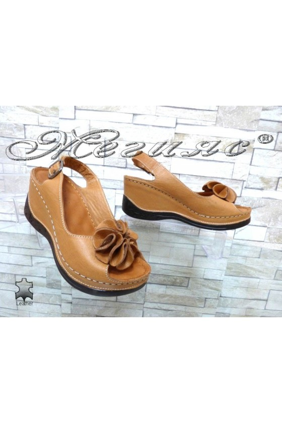 Дамски сандали 11-145 кафяви от естествена кожа на платформа