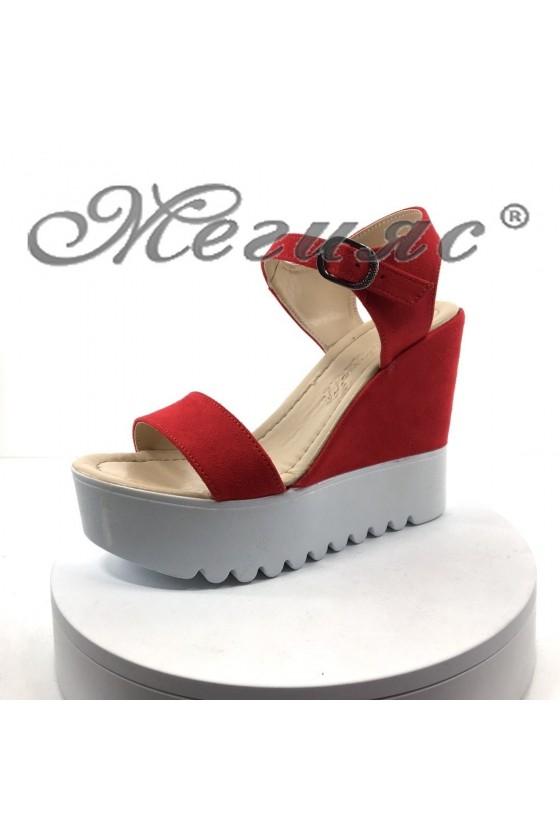 Дамски сандали 100-259 червени велур на висока платформа
