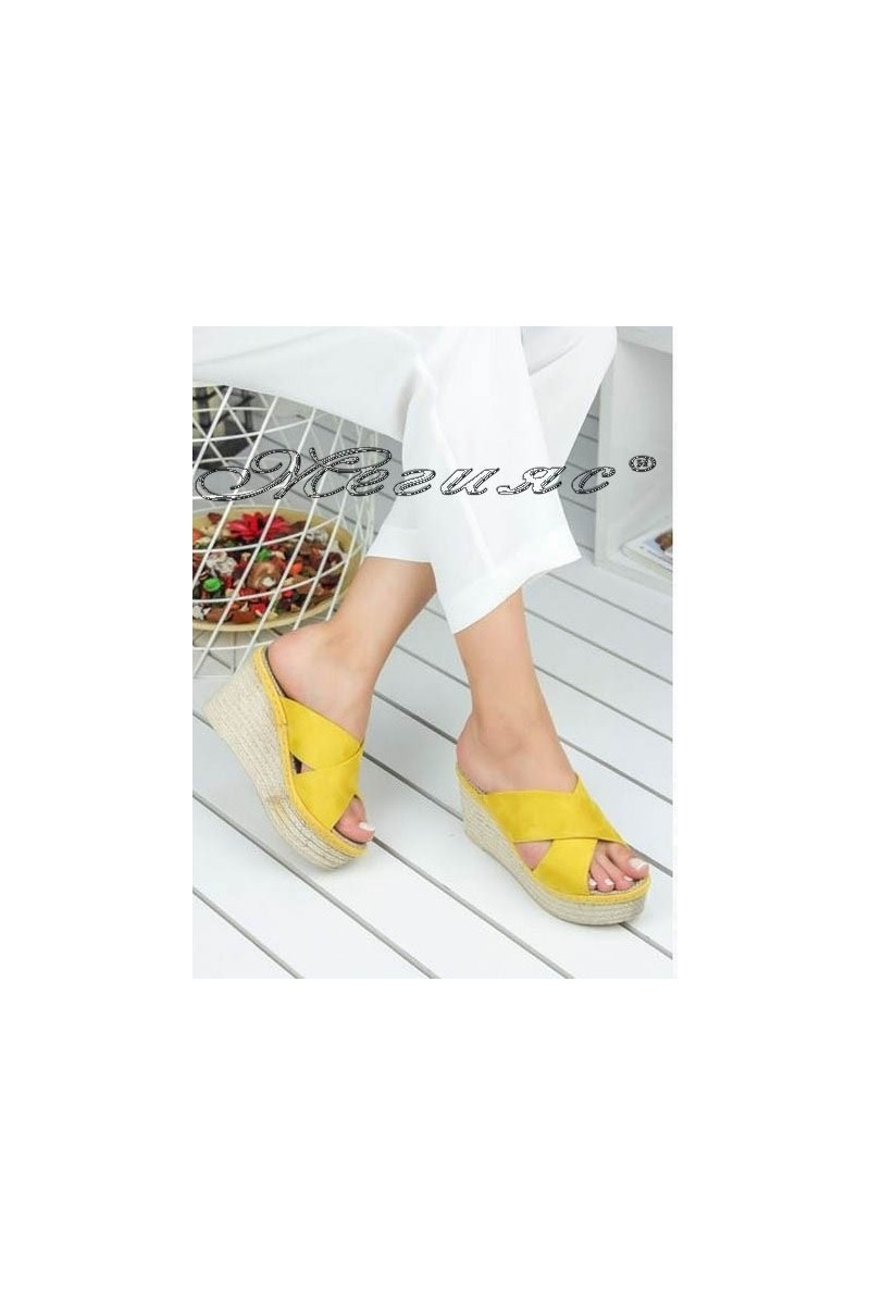 Дамски сандали 498 жълти велур на висока платформа
