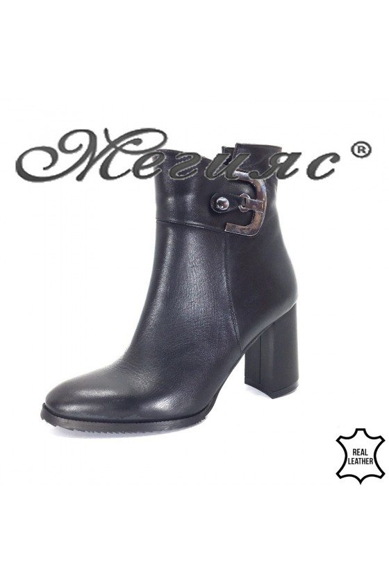 1111-01 Lady boots black leather