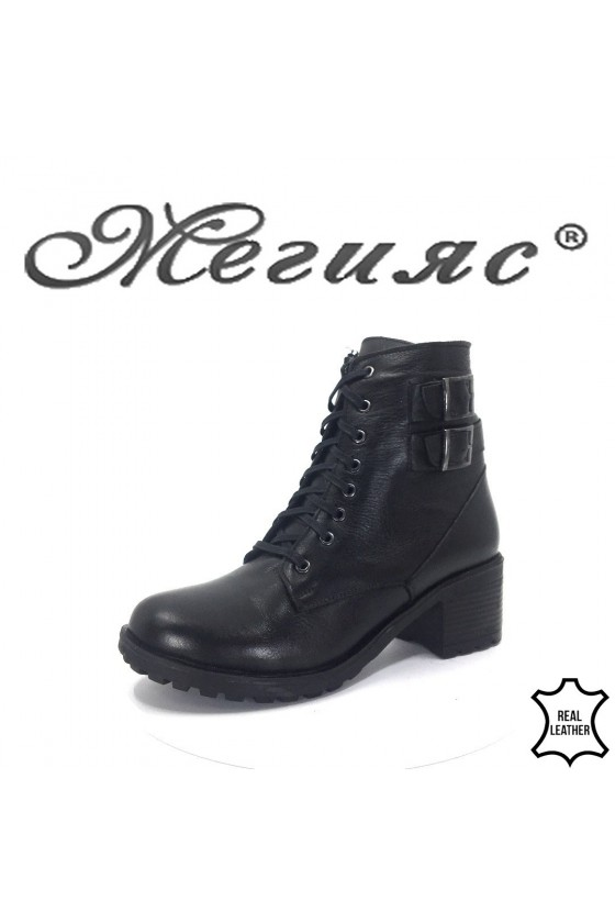 818 Lady boots black leather