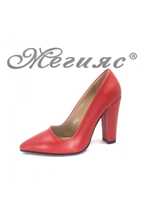 702 Дамски обувки червени мат от еко кожа остри елегантни с широк ток