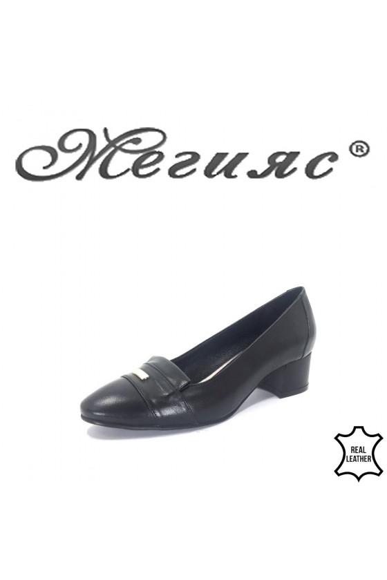 12-11  Дамски обувки черни от естествена кож с широк ток