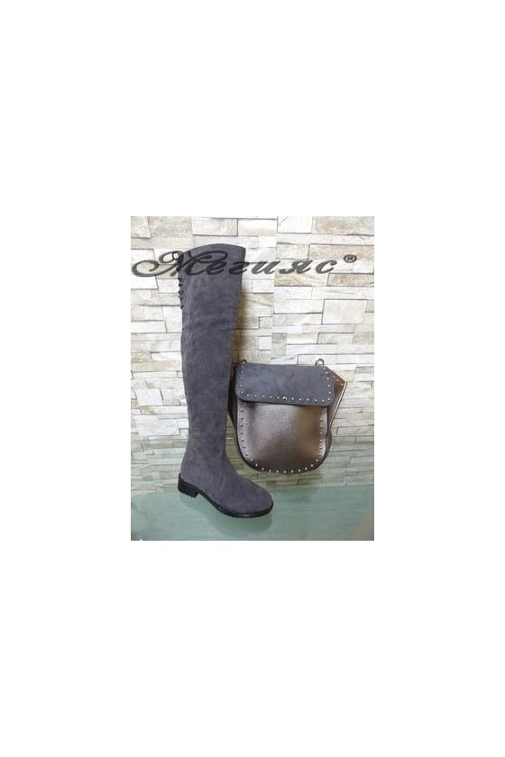 17201 Дамски чизми сиви равни от еко велур с чанта 1961 бронз от еко кожа