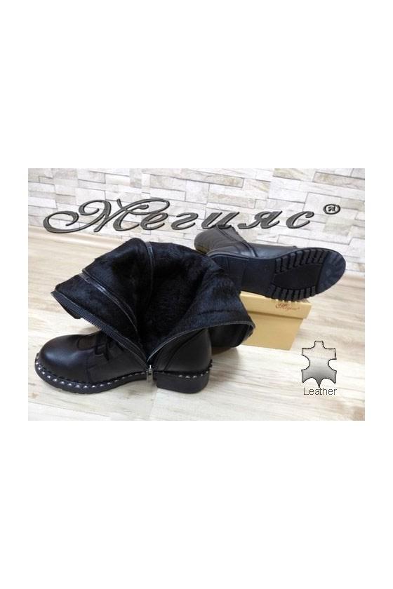 602-303 Дамски ботуши черни от естествена кожа