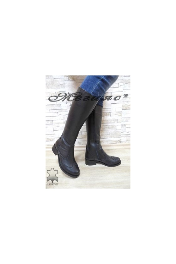 2009 XXL Women boots black leather
