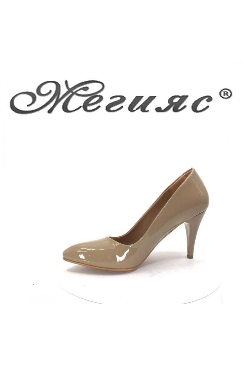 150 Lady elegant shoes beige