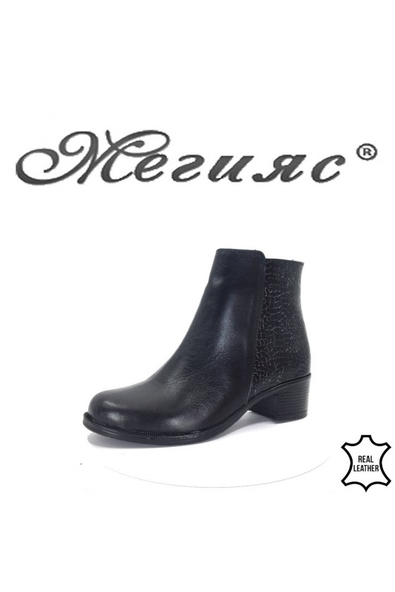 913-1  Women boots black leather