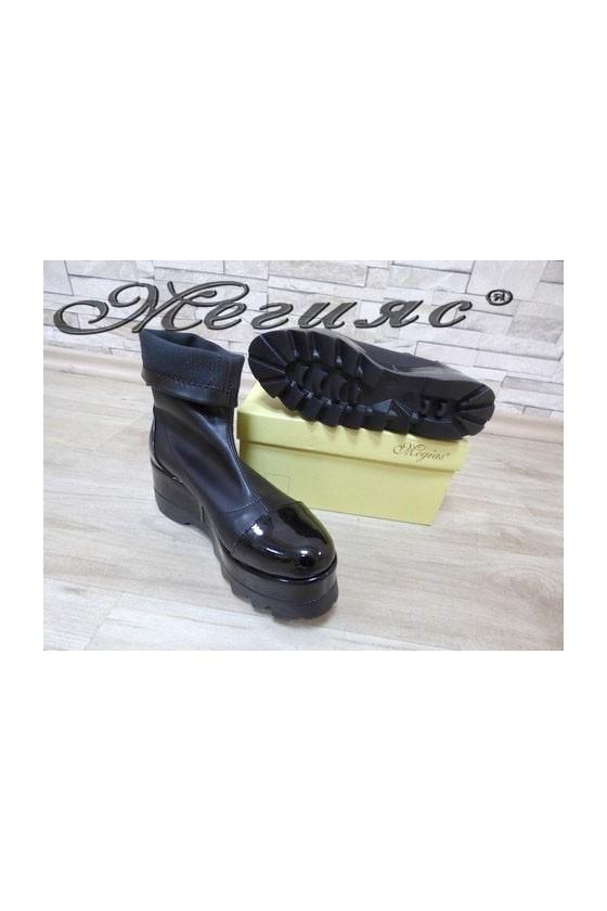 711 Women platform boots black pu